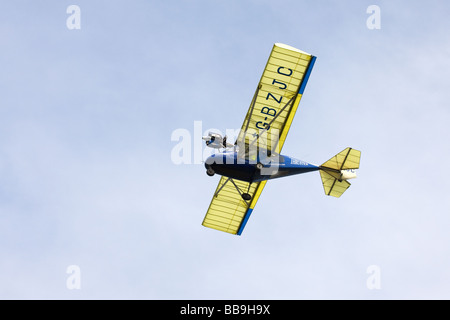 Spintore T600N-450 Sprint G-BZJC in volo a Sandtoft Airfield Foto Stock