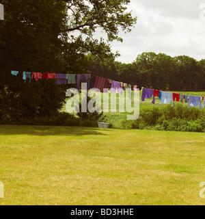 La famiglia di linea di lavaggio con colorato nello Stato di Washington Foto Stock