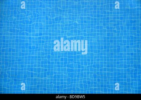 Blu di piastrelle a mosaico in corrispondenza del fondo di una piscina Foto Stock