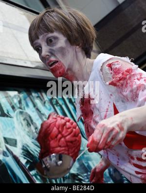Gli zombie in Leicester Square, London, Regno Unito Foto Stock