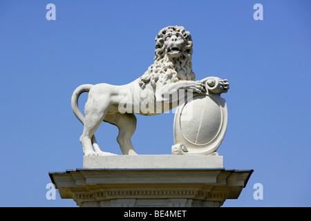 Lion scultura, Schloss Nordkirchen Palace, Renania settentrionale-Vestfalia, Germania, Europa