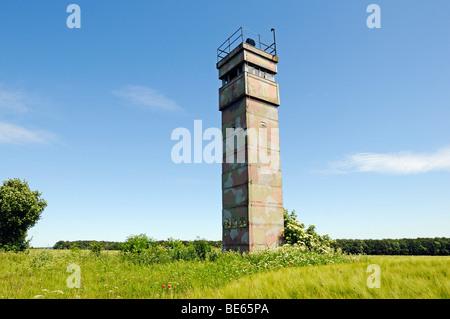 Torre di osservazione della RDT alla ex interno-confine tedesco, Katharinenberg, Wendeleben, Turingia, Germania, Foto Stock