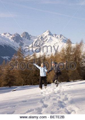 Accoppiare il salto nella neve Foto Stock
