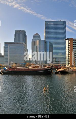 Canary Wharf tenuta da Blackwall bacino, Londra E14 Regno Unito Foto Stock