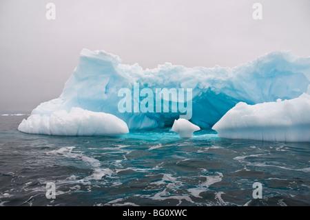 Iceberg, vicino Isola Yalour, Penisola Antartica, Antartide, regioni polari Foto Stock