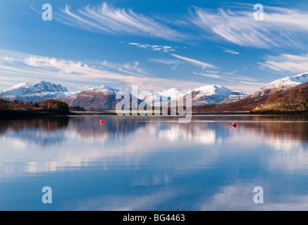 Riflessioni in Loch Leven, Glencoe, Scotland, Regno Unito Foto Stock