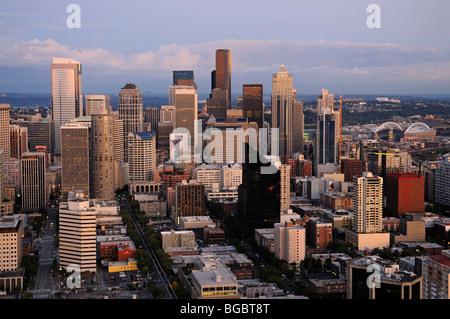 Vista da Space Needle, il centro cittadino di Seattle, Stati Uniti d'America Foto Stock