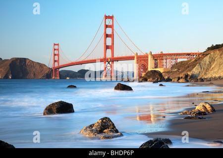 Golden Gate Bridge visto dal fornaio Beach