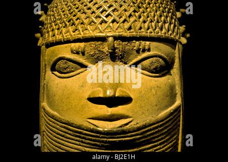 991a19bcd0 ... stringhe di · Iyoba Regina madre del XIX secolo Royal Benin Nigeria  Guinea Museo Coast Africa Africa ( collare