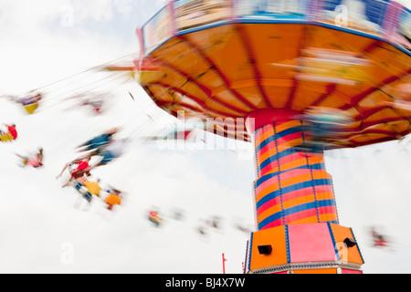 Corsa di oscillazione, il Navy Pier sul lago Michigan, Chicago, Illinois, Stati Uniti d'America Foto Stock