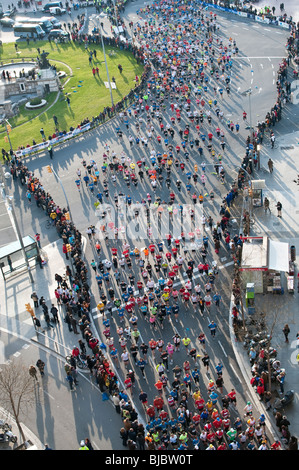 Ai partecipanti alla Maratona di Barcellona 2010. Foto Stock