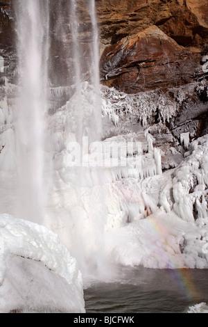 Toccoa falls (nord della Georgia, USA) in inverno. Foto Stock