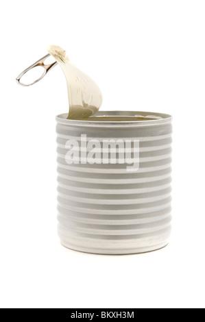 Aperto lo stagno può su sfondo bianco Foto Stock