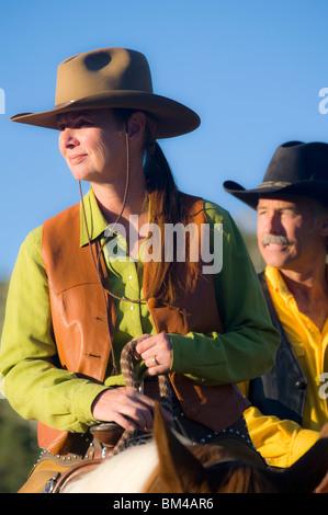 Giovane a cavallo Foto Stock