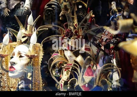 Belle maschere veneziane in Venezia, Italia Foto Stock