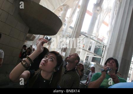La Sagrada Familia, progettato dall'architetto Antoni Gaudi, Barcellona, Spagna, Sett. 2006 Foto Stock