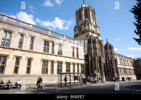 Immagine mostra Tom Tower, St Aldates, all'ingresso di Tom Quad, la Chiesa di Cristo, Oxford. Foto:Jeff Gilbert Foto Stock