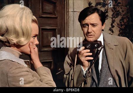 ELKE SOMMER, ROBERT VAUGHN, la vicenda veneziana, 1966 Foto Stock