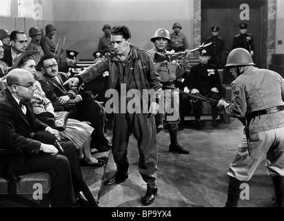 RICHARD CONTE il cuore viola (1944) Foto Stock