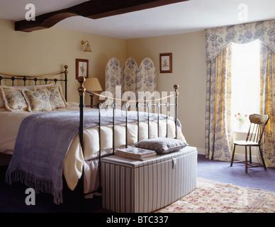 Camere Da Letto Blu : Camera da letto blu immagine stock immagine camera letto