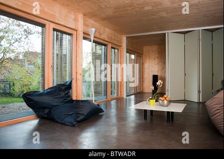 Parigi, Francia, Green House, zero consumo di energia, 'eco costruzione' nella periferia di Parigi, Credito Arch: Foto Stock