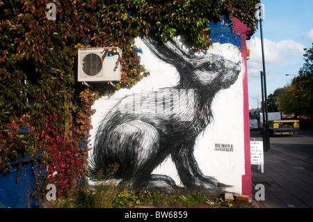 Coniglio da artista di strada ROA in Hackney Road Foto Stock