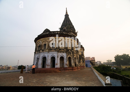 Un bel vecchio tempio dedicato al dio Rama in Ayodhya, India. Foto Stock