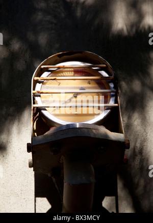 La pressione del gas gage sul chimichiera vagone del treno Foto Stock