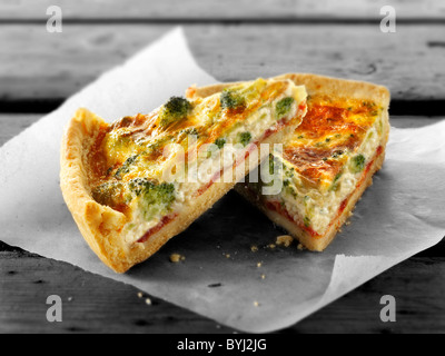 Broccoli quiche fette Foto Stock