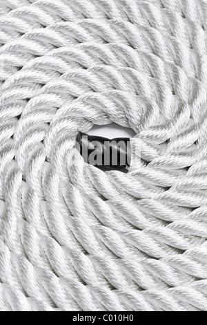 Close-up di una fune di bianco arricciato e riempiendo il telaio Foto Stock