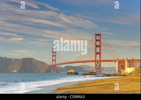 Stati Uniti, California, San Francisco, Baker's Beach e il Golden Gate Bridge Foto Stock