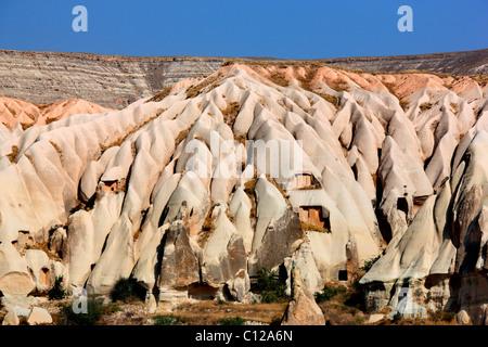 """Foto da la parola """"valle' ('Kiliclar Vadisi') che appare come un enorme la fusione di gelato alla vaniglia, Nevsehir, Foto Stock"""
