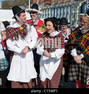 8//9yrs//Galles Cymru Le ragazze costume tradizionale Gallese Abito ST DAVID/'S DAY NUOVO