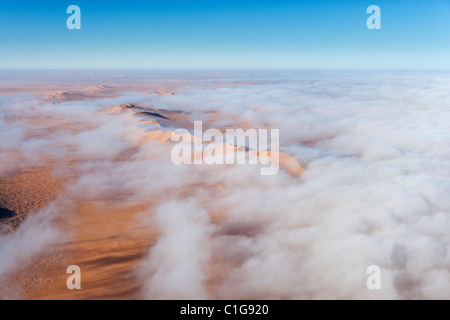 Vista aerea di dune di sabbia del deserto namibiano Foto Stock