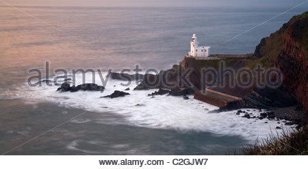 Faro di Hartland Point al tramonto, North Devon, Inghilterra, Regno Unito Foto Stock