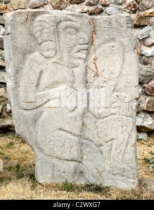 Sculture in pietra di divinità al Monte Alban rovine dello Stato di Oaxaca Messico Foto Stock