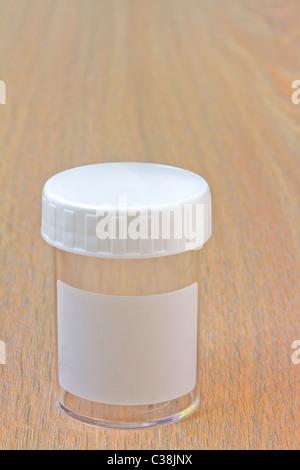Svuotare la bottiglia campione Foto Stock