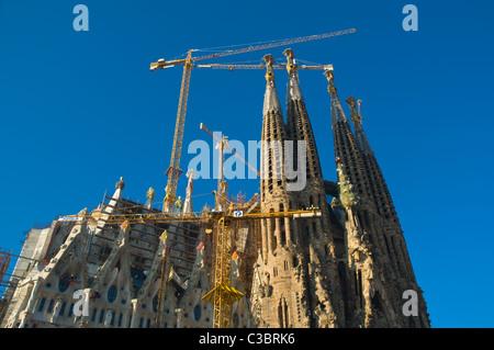 Tempio Expiatiori de la Sagrada Familia in processo essendo costruita quartiere Eixample Barcellona Spagna Europa
