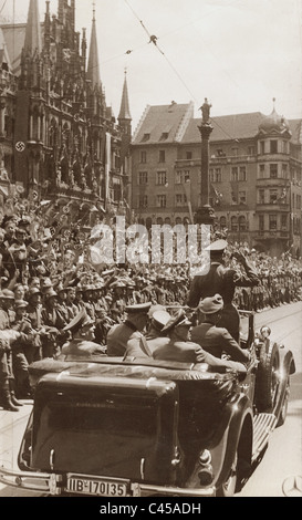 Hitler al Marienplatz a Monaco di Baviera, 1940 Foto Stock