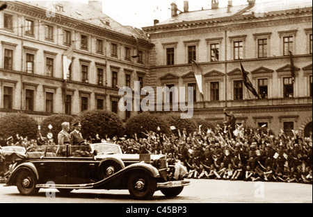 Hitler con Mussolini in auto Foto Stock