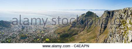 Vista dalla Montagna della Tavola sopra Città del Capo e di Table Bay Foto Stock