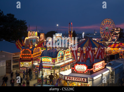 A metà strada a Mighty Howard County Fair, Cresco, Iowa Foto Stock