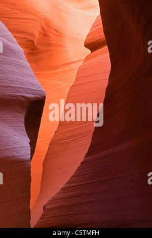 Stati Uniti d'America, Arizona, inferiore Antelope Canyon, pareti di pietra arenaria Foto Stock
