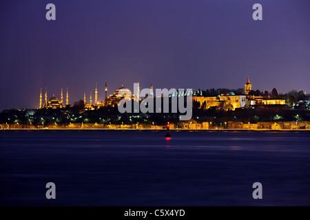 Da sinistra a destra la Moschea Blu (Sultanahmet Camii), Hagia Sophia e Palazzo Topkapi. Istanbul, Turchia Foto Stock