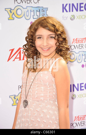 Jennessa Rose presso gli arrivi per varietà la quarta potenza Annuale della Gioventù Evento, Paramount Studios di Foto Stock