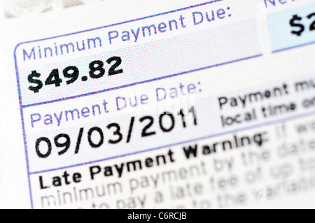 Carta di credito dichiarazione di fatturazione e pagamento minimo dovuto Foto Stock