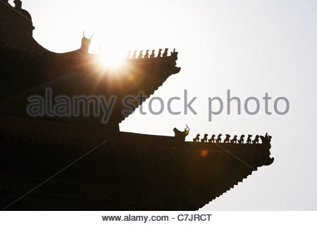 Silhouette di tetto del palazzo Cinese Foto Stock