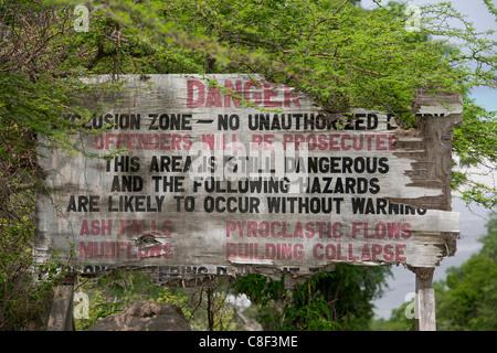 Zona di esclusione di segno di avvertimento a Jack Boy Hill, Montserrat Foto Stock