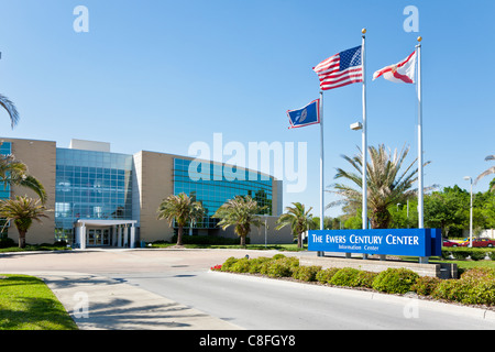 Ingresso al Ewers Centruy Center building presso il Central Florida College in Ocala Florida Foto Stock