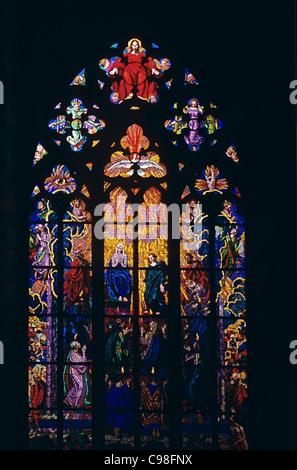 La Pentecoste stainglass dal pittore Max Schvabinski, St Guy cattedrale, Praga, Repubblica Ceca